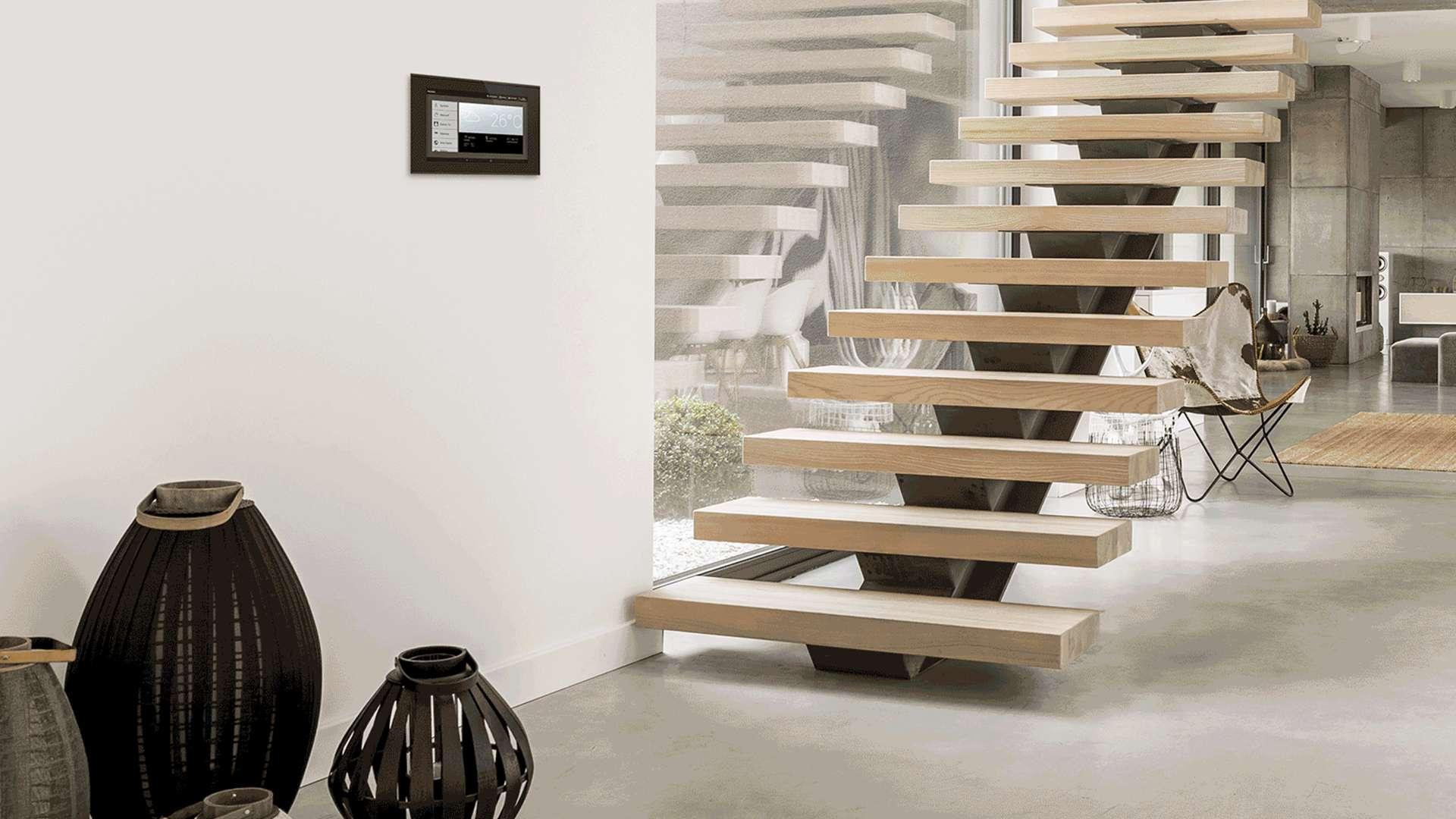 Treppenhaus mit WS1000 Connect Steuereinheit