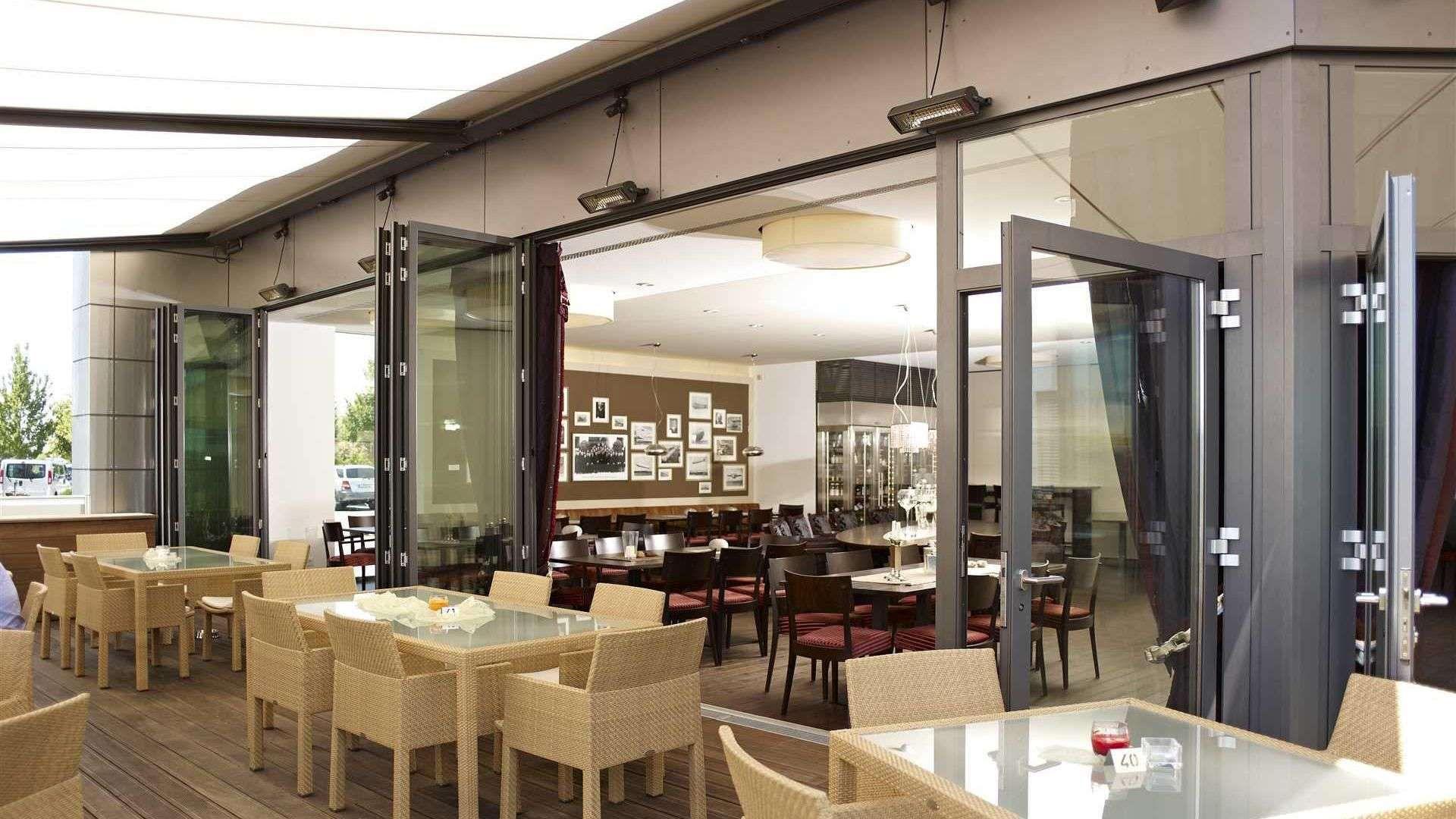 awesome restaurant bildnummer with glas faltwand. Black Bedroom Furniture Sets. Home Design Ideas