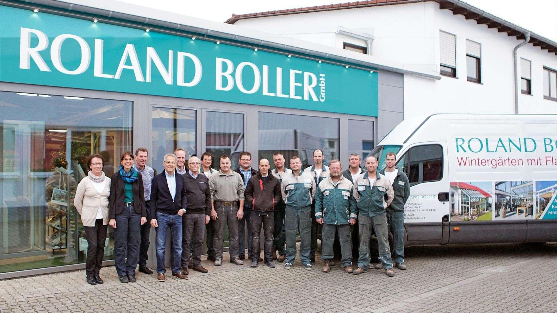 Mitarbeiter der Firma Boller vor der Ausstellung von Boller in Binzen