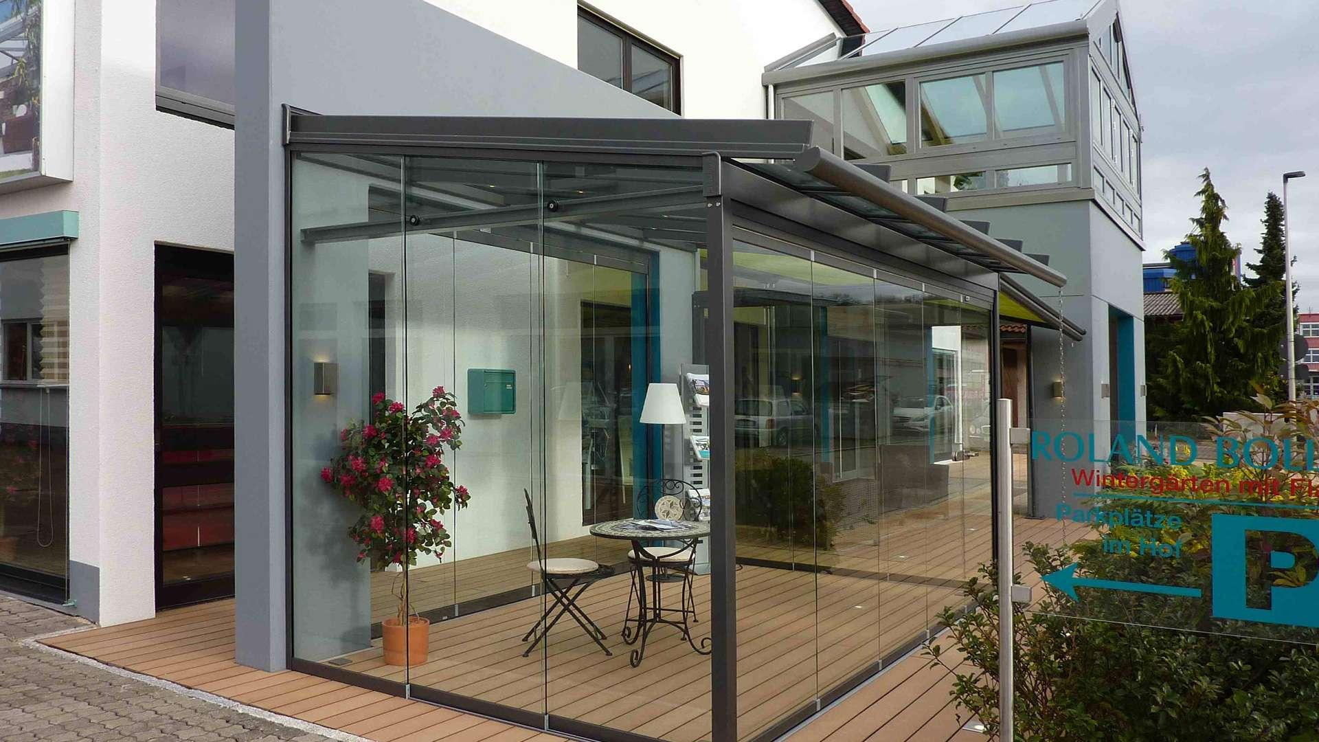 Glashaus in der Außenausstellung von Boller in Binzen