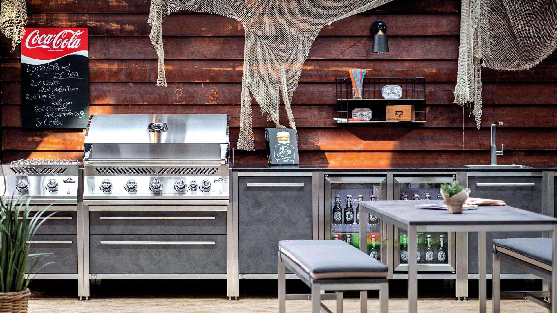 Burnout Outdoorküche in Strandbar-Optik