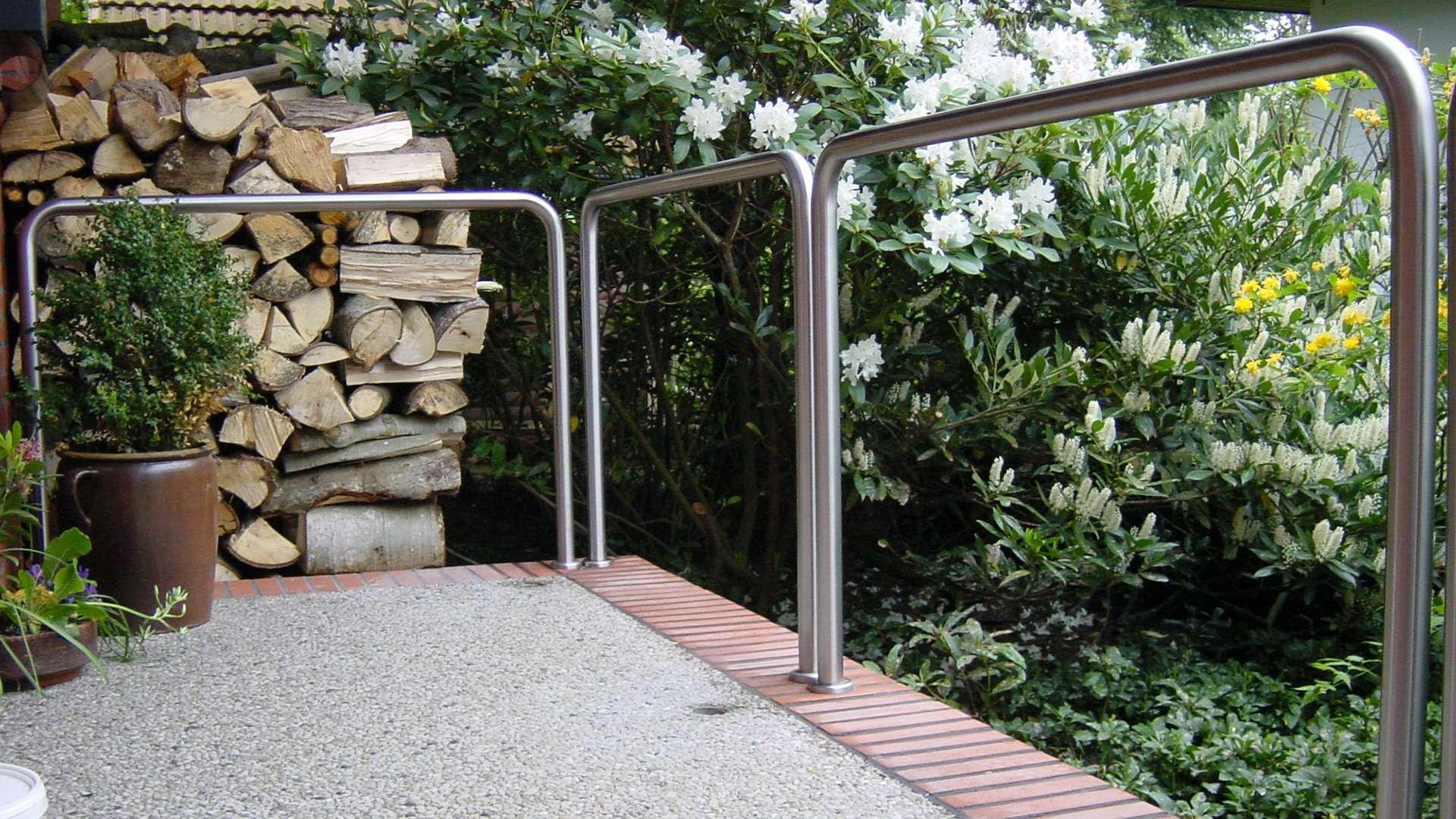 Geländer aus Metall an einem Balkon