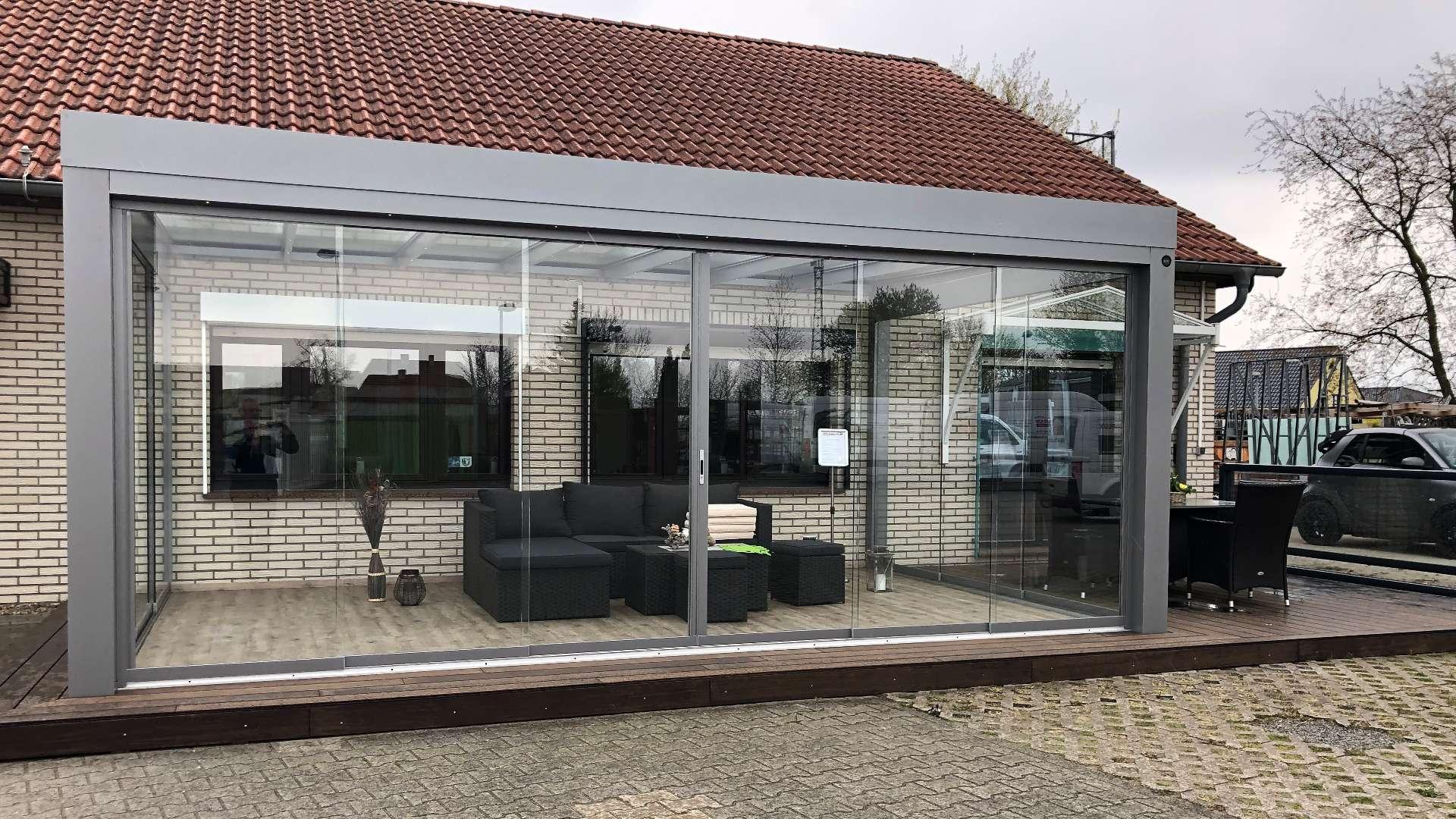 SDL Acubis Terrassendach in der Außenausstellung von Knobloch in Gardelegen