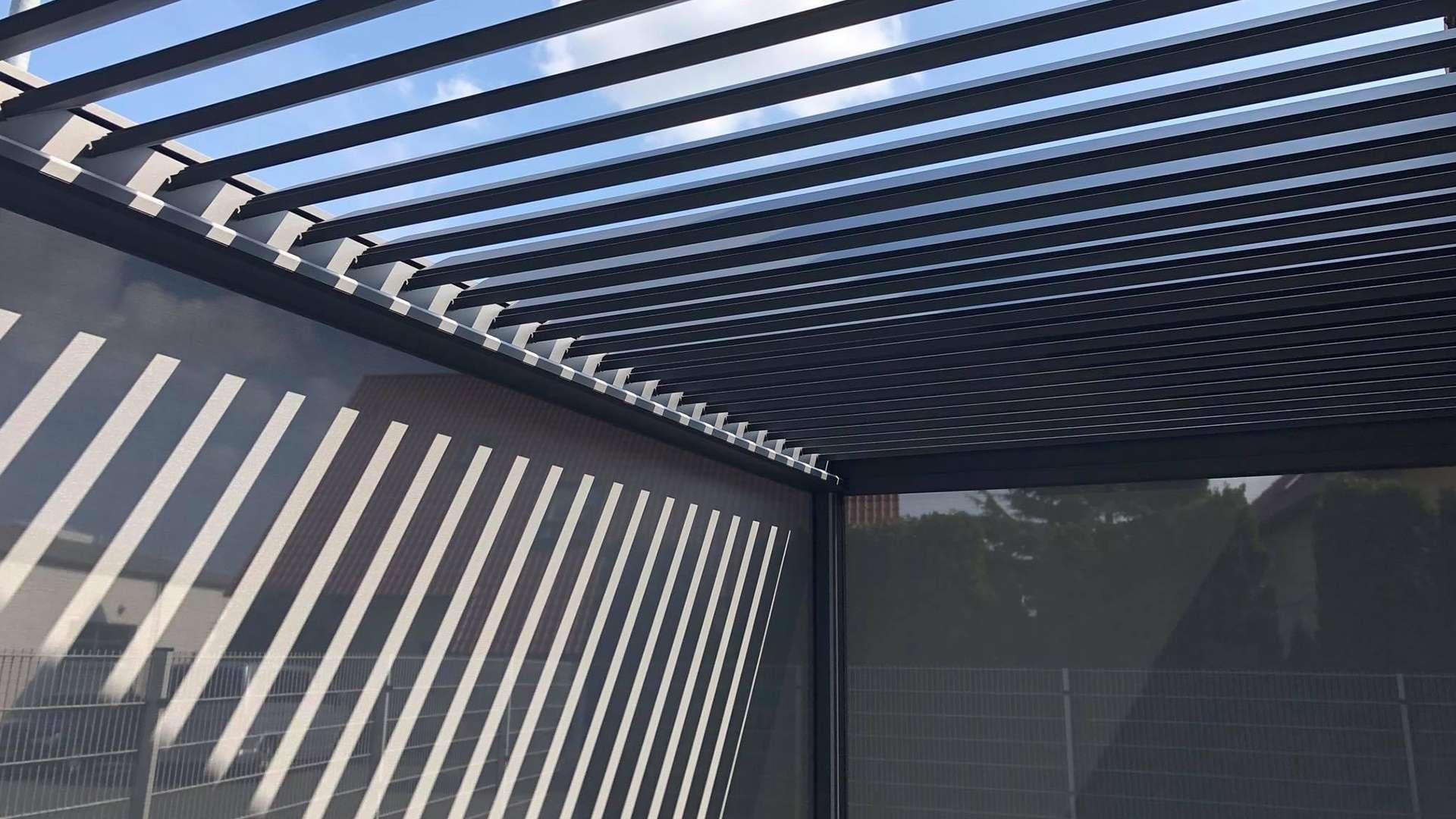 Lamaxa Lamellendach in der Außenausstellung von Knobloch in Gardelegen