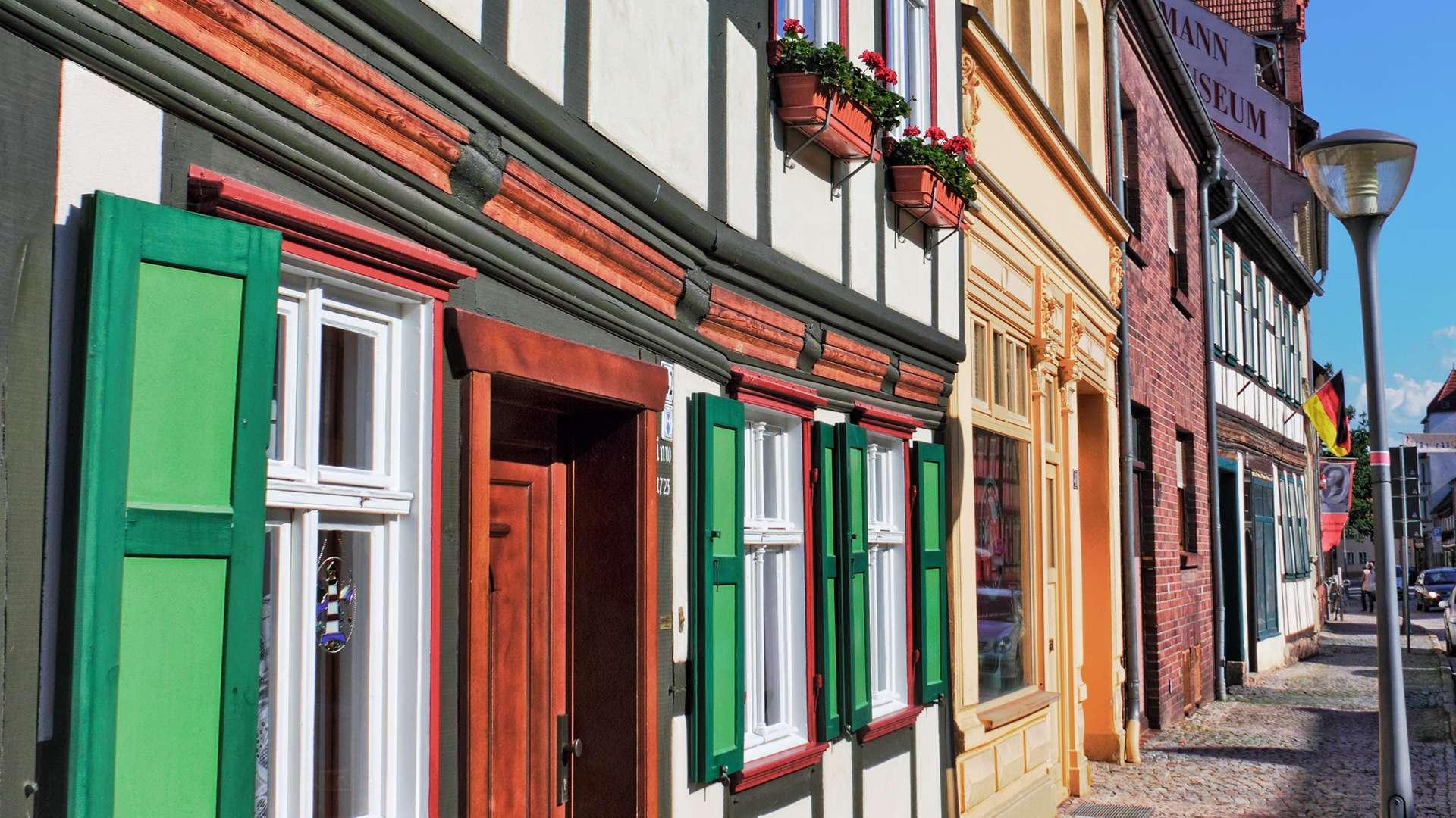 Häuserfassaden in der Altstadt von Stendal