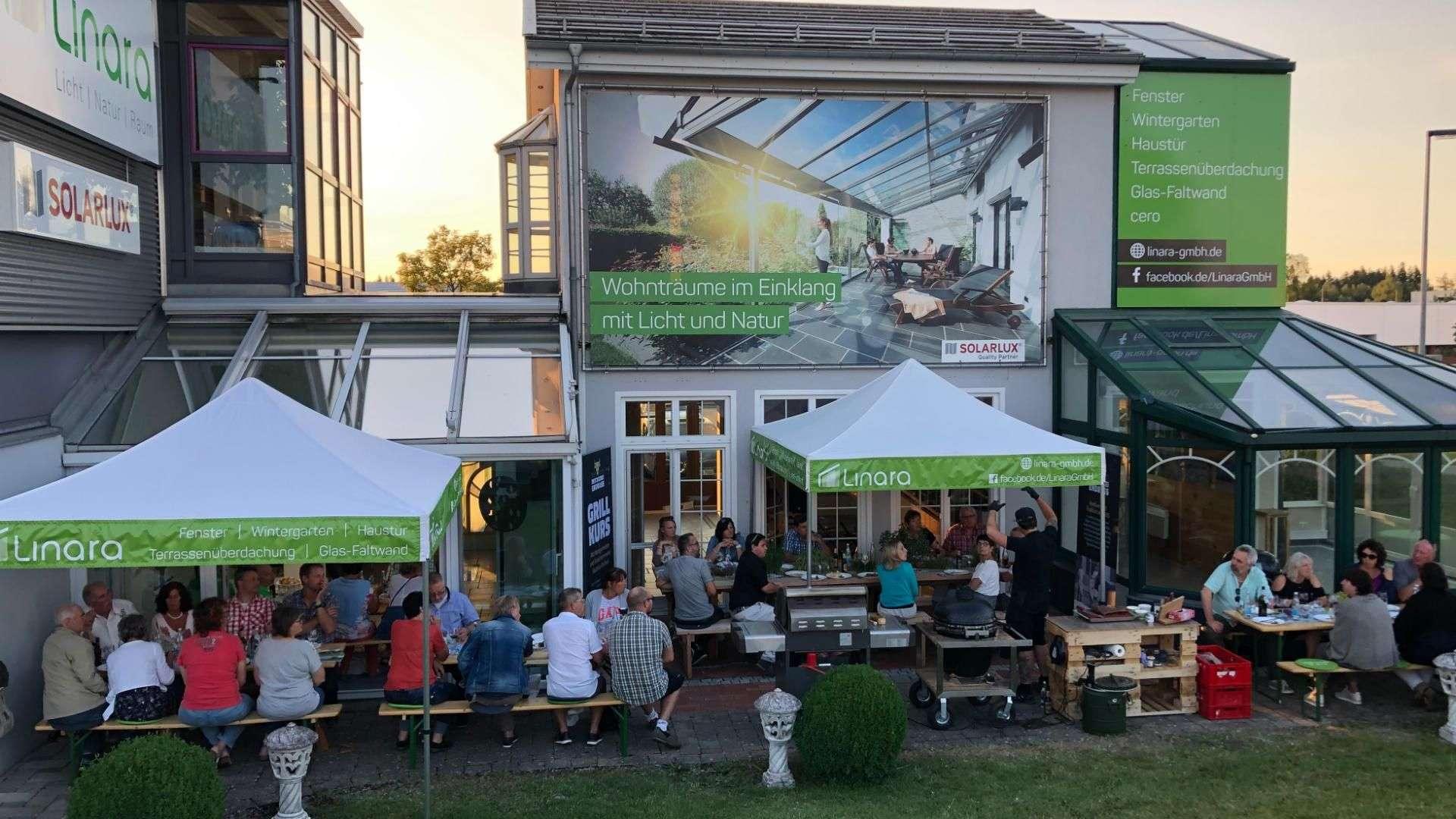 Grillabend für Weiterempfehler in der Außenausstellung von Linara in Kaufbeuren