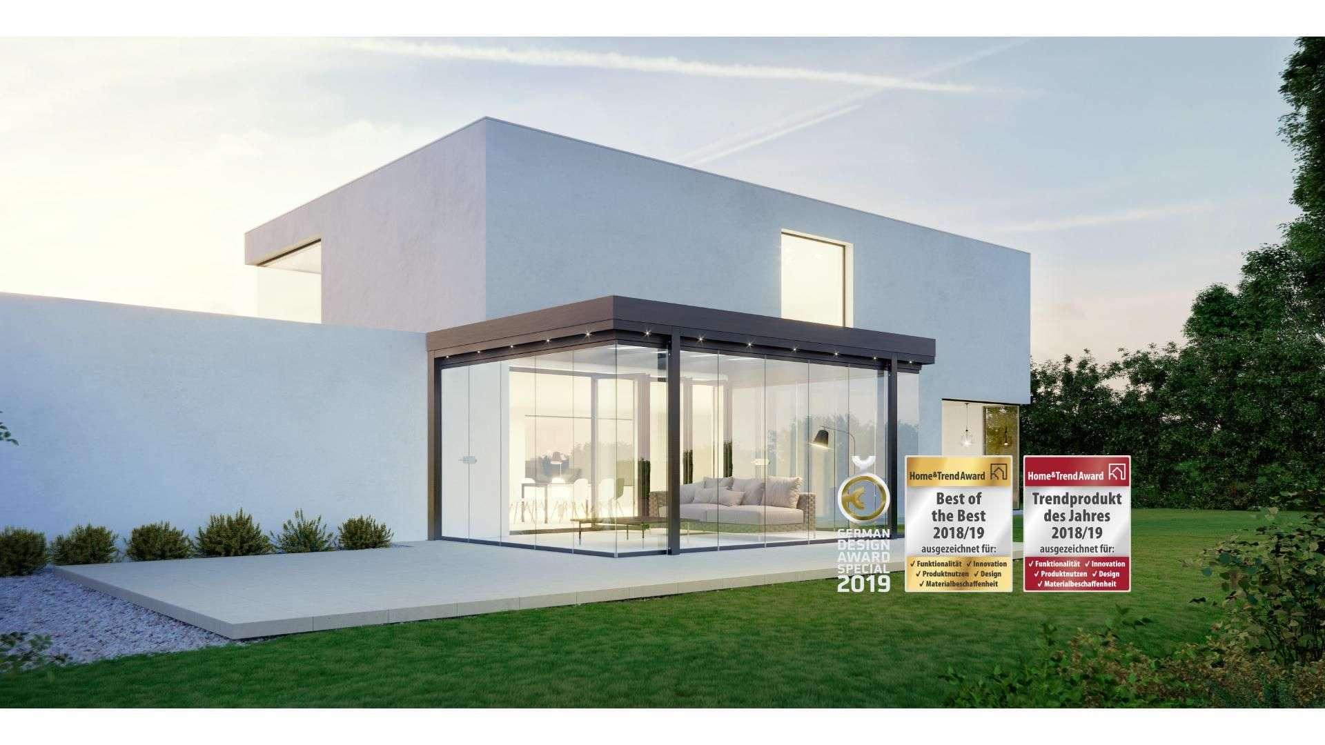 Solarlux SDL Acubis Terrassendach in einem modernen Flachdachhaus mit diversen Auszeichnungen und Awards