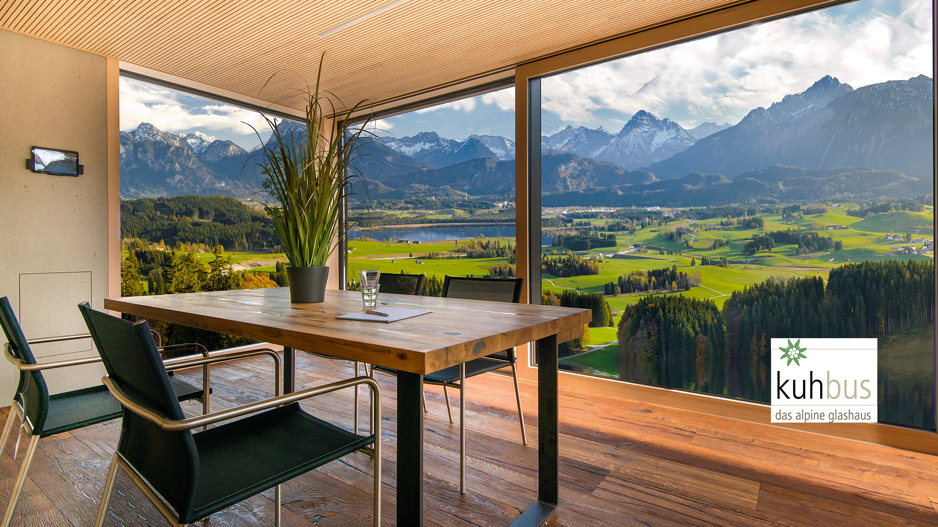 Linara Wohnraum mit Panoramablick