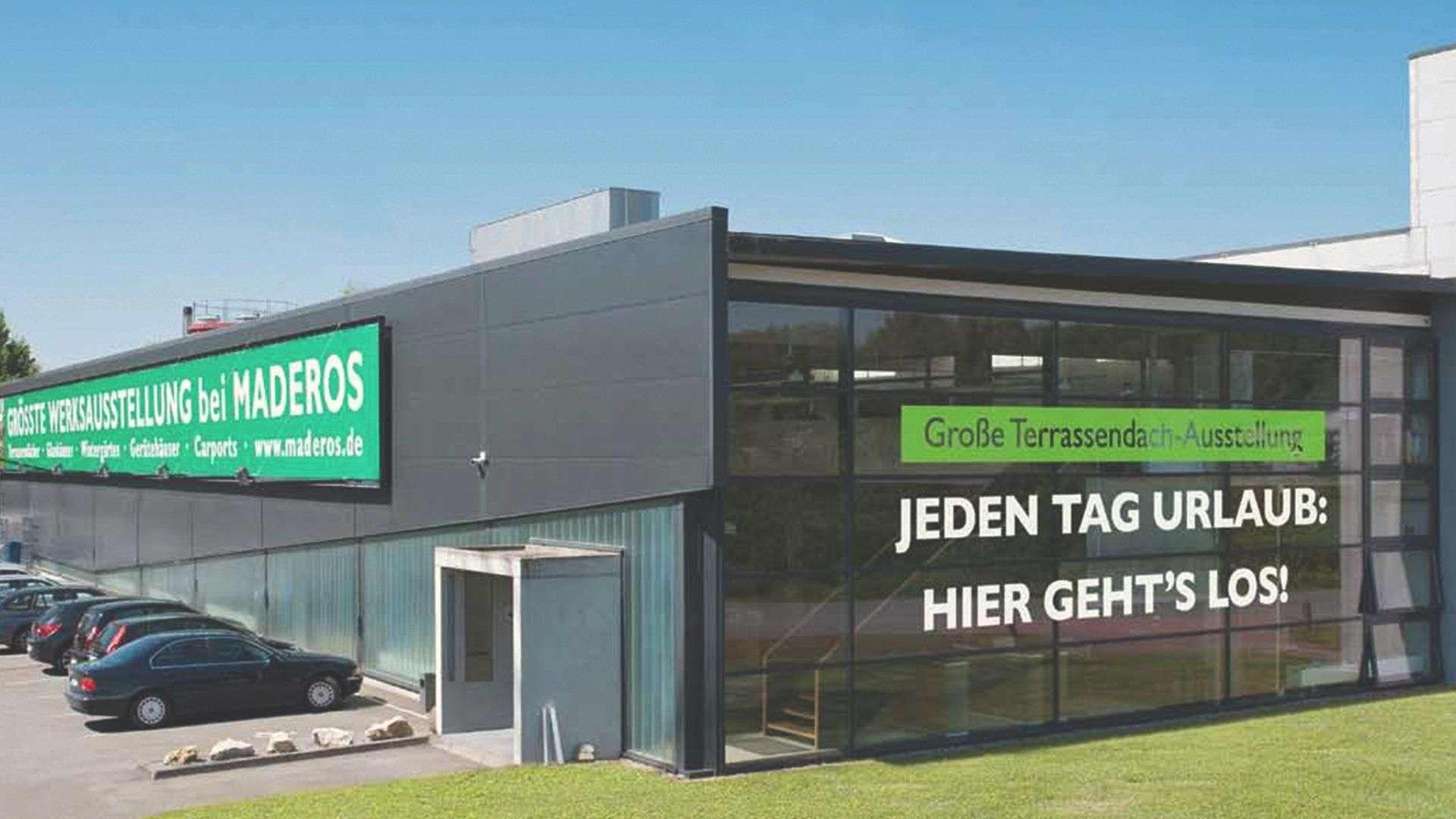 Außenansicht der Ausstellung von Maderos Hamburg