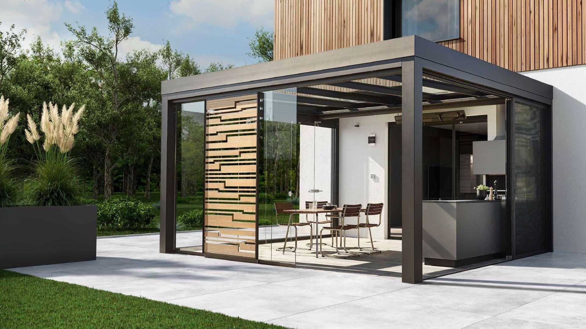 Solarlux SDL Acubis Terrassendach vor einem modernen Haus mit großer heller Terrasse