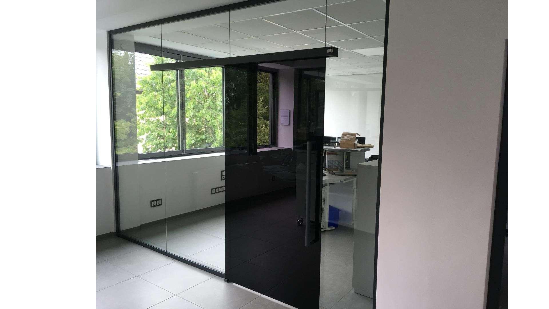 Ganz-Glasanlage in der Ausstellung von Menke-Glas in Bielefeld