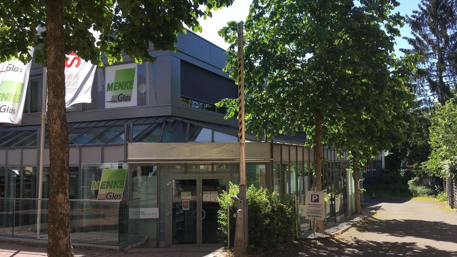 Außenansicht der Ausstellung von Menke-Glas in Bielefeld