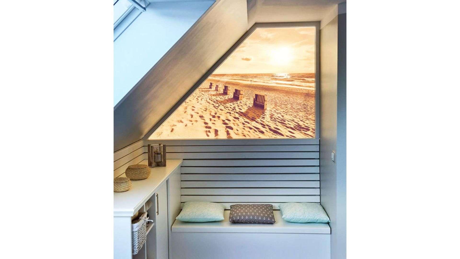 bedrucktes Cleverglas unter einer Dachschräge