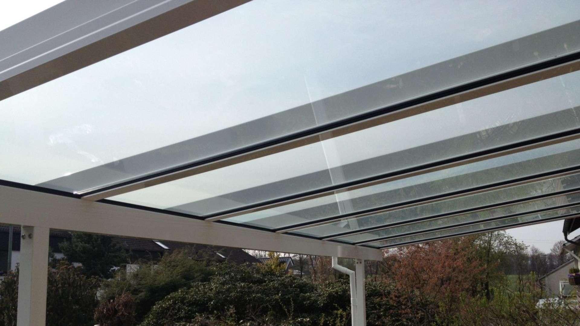 Nahansicht des Daches eines Terrassendachs