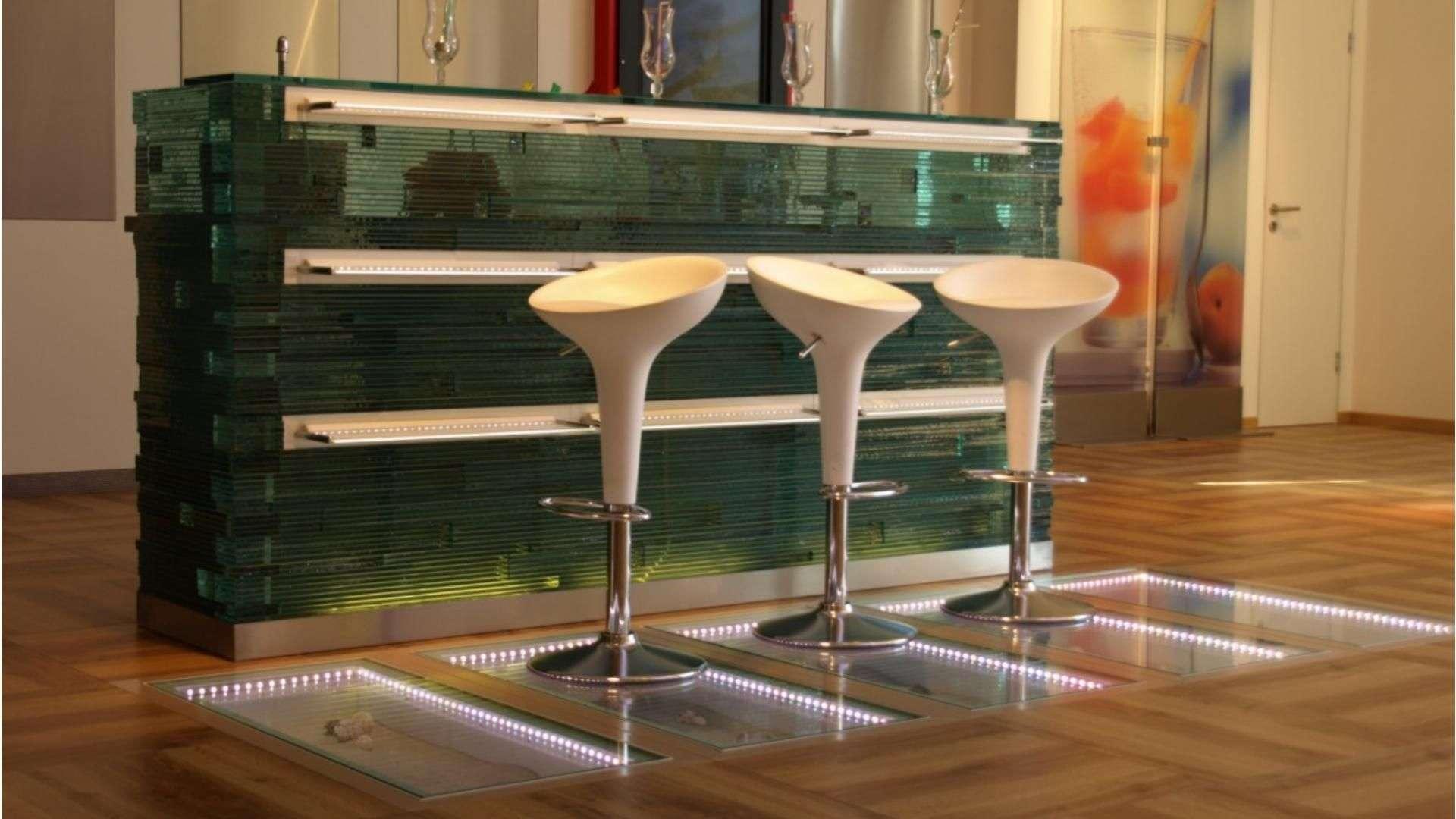 Menke Glasböden und Glastreppen