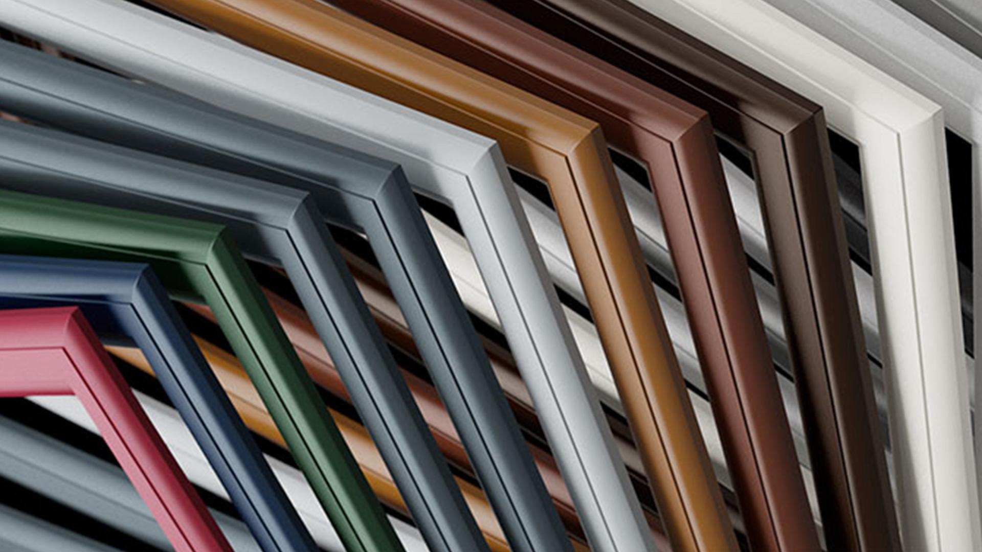 Holzrahmen in verschiedenen Farben