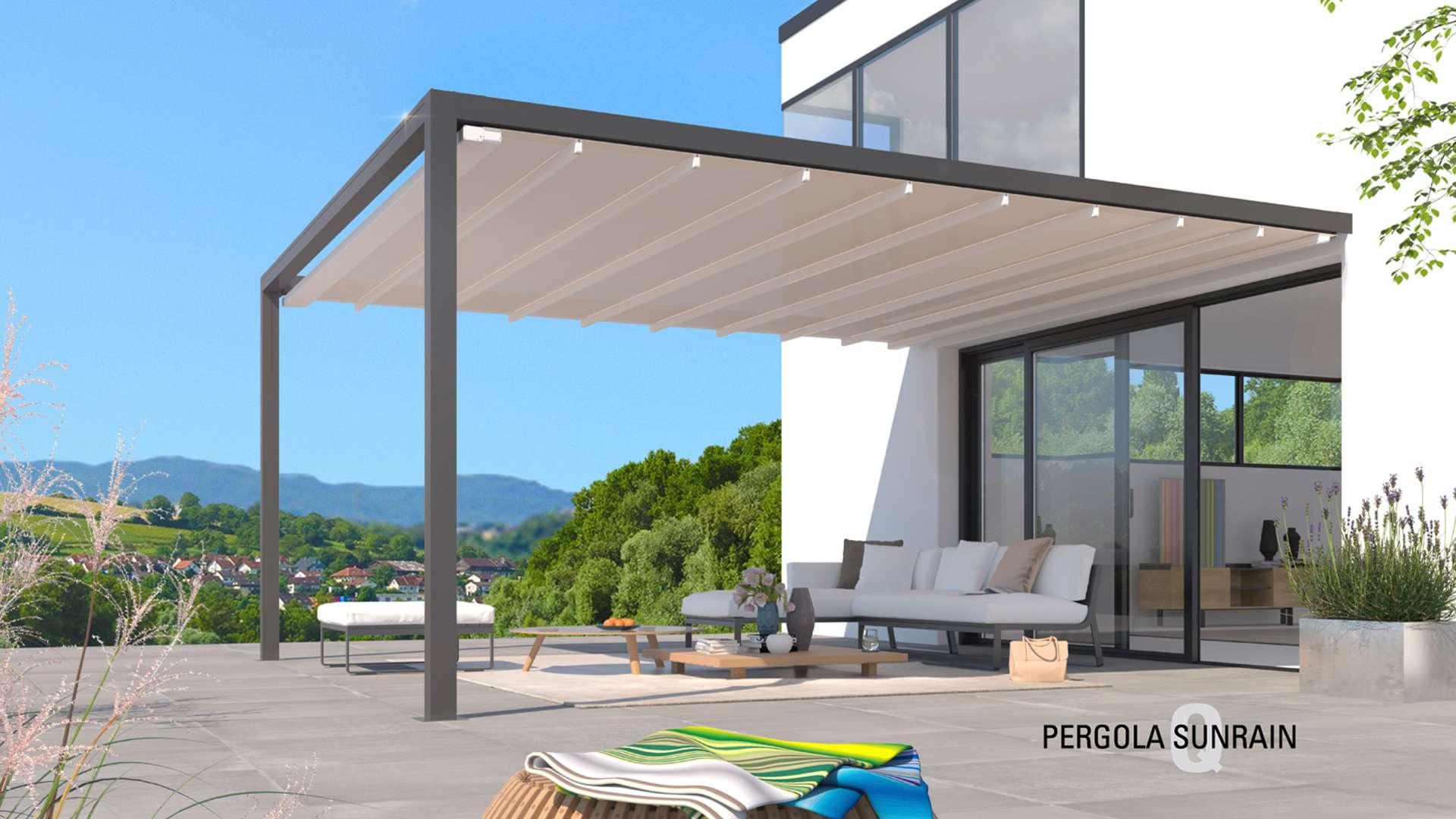 Pergola Sunrain Q System auf der Terrasse eines Wohnhaues