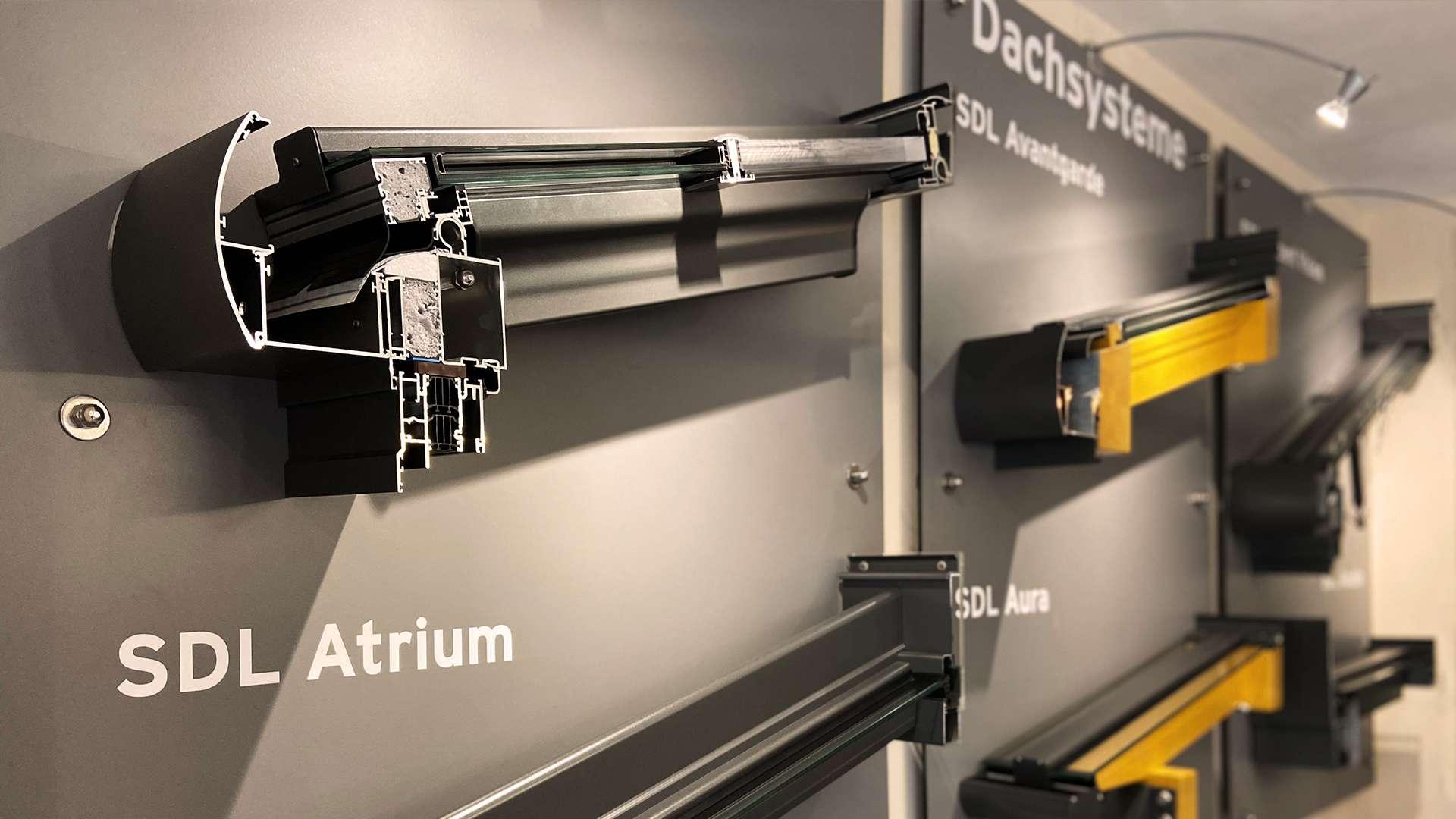 Querschnitte von Dachsystemen in der Ausstellung von Schirrle in Nürnberg
