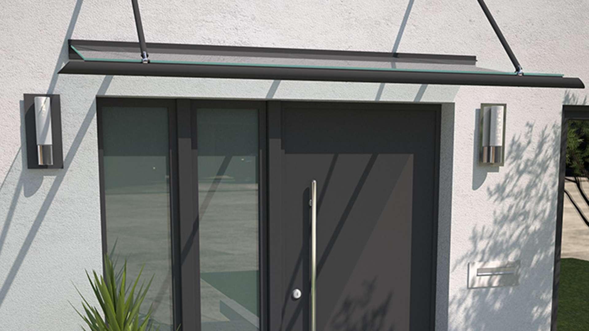 dunkelbraune Haustür mit Glas auf der linken Seite in weißer Fassade mit gläsernem Vordach